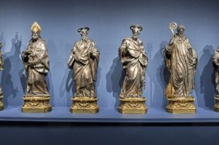 Statues by Luigi Valadier on exhibition in Rome